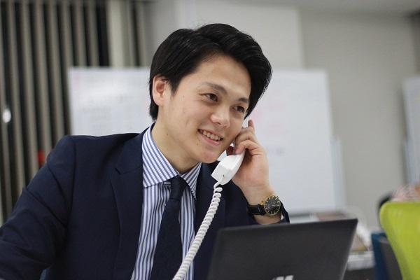 大学だけでは満足できなくて飛び込んだ営業インターン 赤沢さんインタビュー
